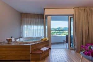 Jacuzzy u sobi - Smještaj - Spa Premium dvokrevetna soba - Hotel Villa Magdalena, Krapinske Toplice