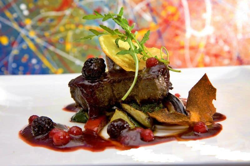 Biftek u umaku od šumskog voća - Restoran Villa Magdalena, Krapinske Toplice