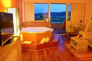 Smještaj - jacuzzy s termalnom vodom u sobi - Hotel Villa Magdalena, Krapinske Toplice